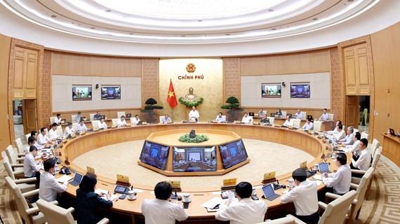 Erradicar brotes de COVID-19 a toda costa, pide premier de Vietnam