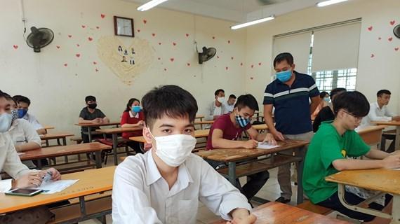 Inician examen de bachillerato en Vietnam