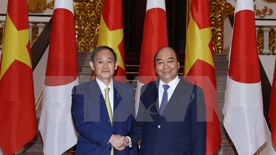 Premier vietnamita se reúne con Suga Yoshihide