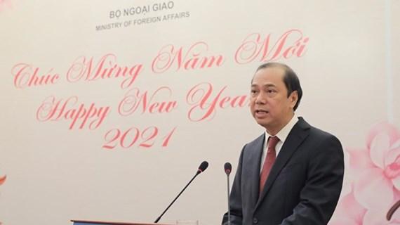 Reporteros y diplomáticos extranjeros, puente para divulgar imagen de Vietnam al mundo