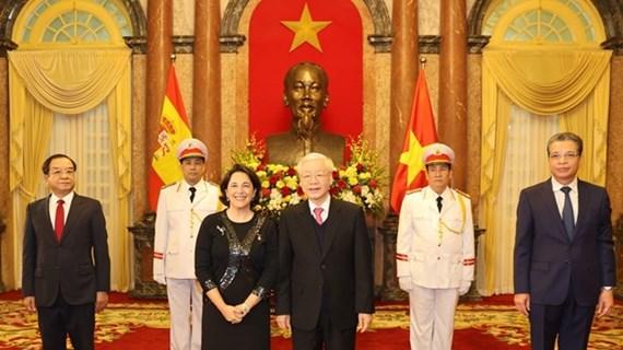 Máximo dirigente de Vietnam aboga por incrementar lazos con otros países