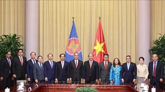Recibe nuevo presidente de Vietnam felicitaciones de diplomáticos de ASEAN