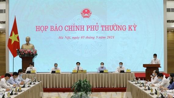 Vietnam busca mantener logros económicos en situación epidémica