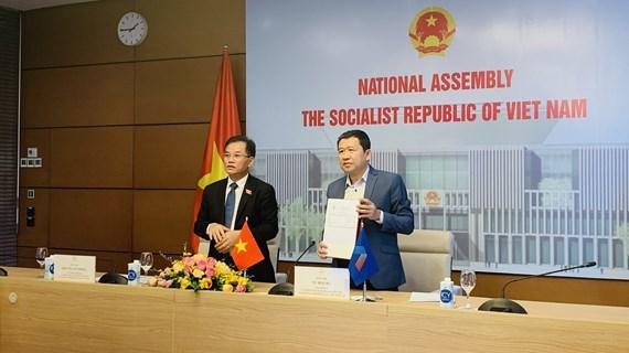 Legisladores vietnamitas participan en reunión del Grupo asesor de la AIPA
