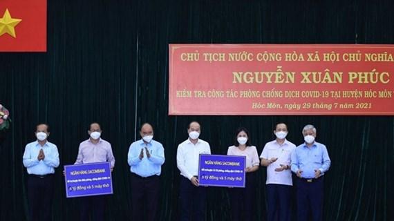 Presidente de Vietnam visita a pobladores en Ciudad Ho Chi Minh