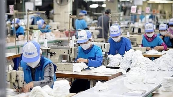 Vietnam apoya reducción de impuestos para empresas y pobladores afectados por el COVID-19