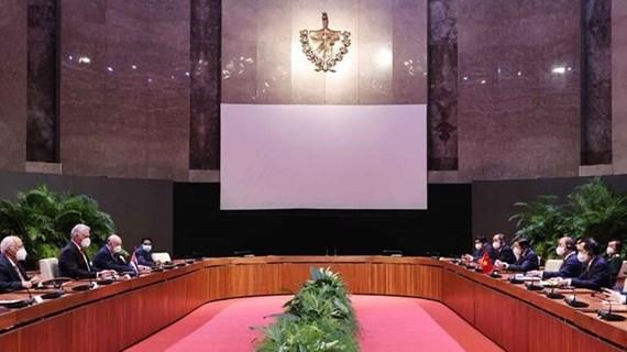 Presidentes de Vietnam y Cuba debaten orientaciones para lazos bilaterales