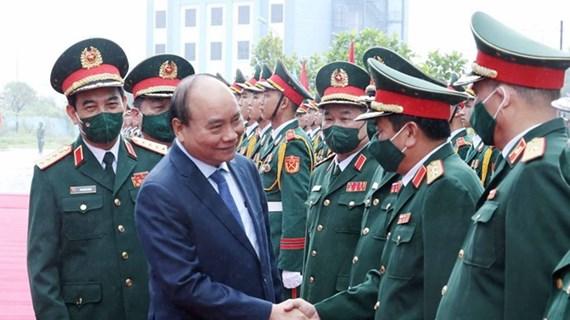 Presidente de Vietnam enaltece oficiales con logros sobresalientes en actividades de la ONU