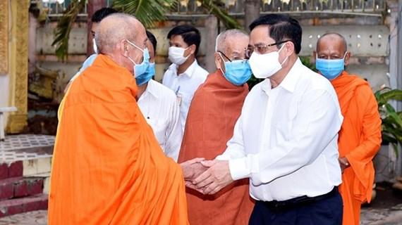 Primer ministro vietnamita enaltece apoyo de dignatarios religiosos en lucha antipandémica