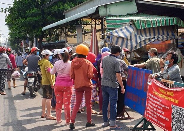 Reafirma Ciudad Ho Chi Minh garantia de productos esenciales para pobladores hinh anh 1