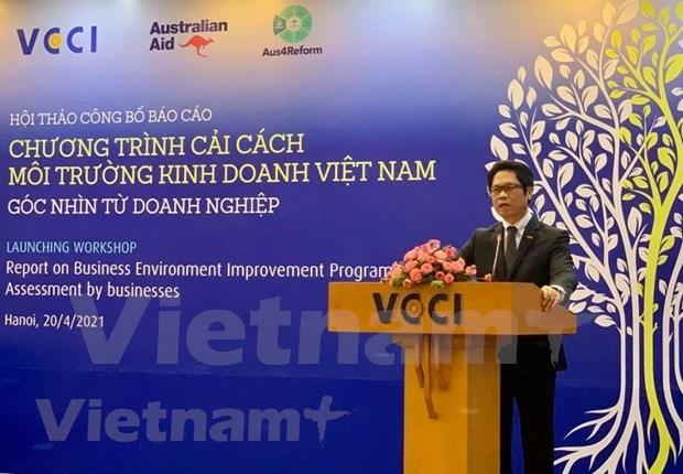 Expertos analizan desafios para mejorar ambiente de negocios en Vietnam hinh anh 1