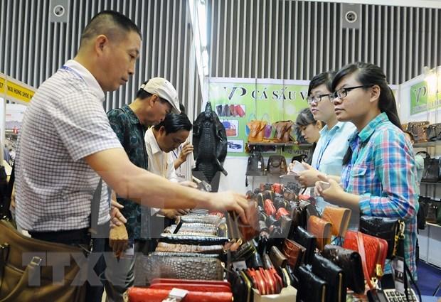 Busca sector de cuero y calzado vietnamita desarrollar sus propias marcas hinh anh 1