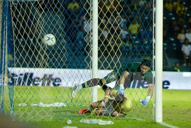 [Foto] Vietnam vence 1-0 a Tailandia en la Copa del Rey hinh anh 3