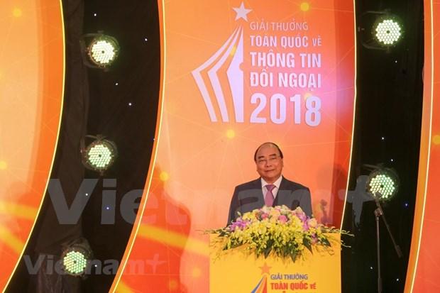 [Foto] Entregan en Vietnam los premios de informacion al exterior hinh anh 2
