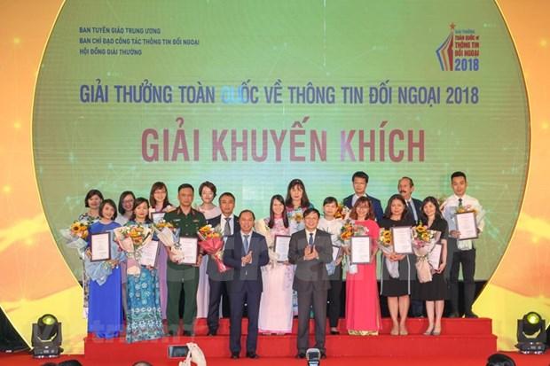[Foto] Entregan en Vietnam los premios de informacion al exterior hinh anh 3