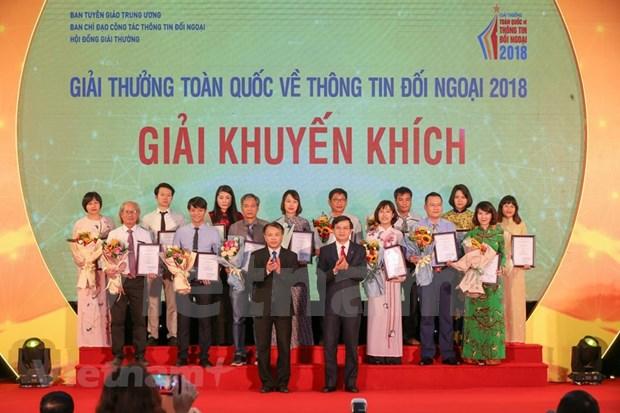 [Foto] Entregan en Vietnam los premios de informacion al exterior hinh anh 4