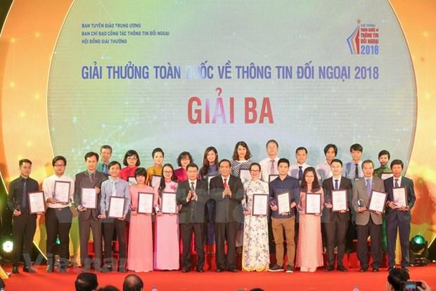[Foto] Entregan en Vietnam los premios de informacion al exterior hinh anh 5