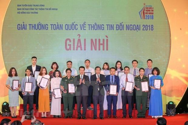 [Foto] Entregan en Vietnam los premios de informacion al exterior hinh anh 6