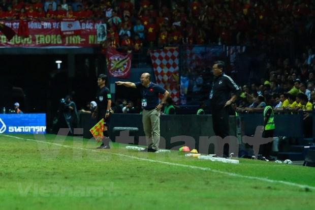 [Foto] Vietnam vence 1-0 a Tailandia en la Copa del Rey hinh anh 7