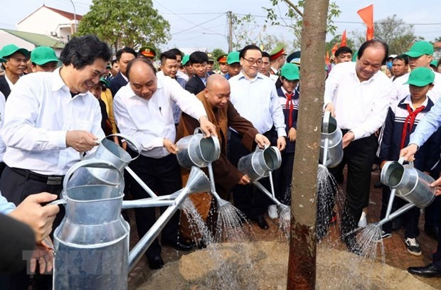 Plantacion de arboles, bella tradicion del pueblo vietnamita hinh anh 2