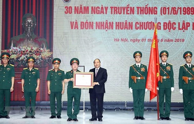 Insta primer ministro vietnamita a grupo Viettel a ser pionero en industria 4.0 hinh anh 1