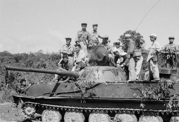 El aniversario 70 del Dia tradicional de soldados y expertos voluntarios vietnamitas en Laos hinh anh 5