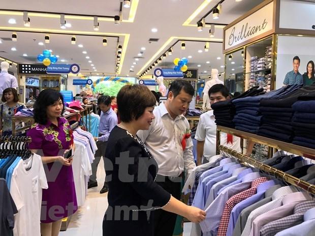 """Campana """"Vietnamitas utilizan productos vietnamitas"""" promueve comercio interno hinh anh 1"""