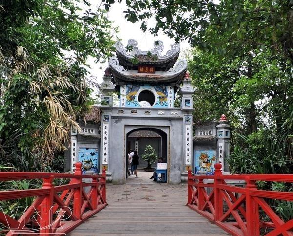 Hanoi prohibira fumar en 30 sitios turisticos hinh anh 1