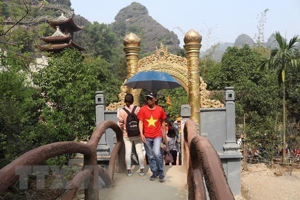 Armonizan la conservacion y el desarrollo del patrimonio cultural de Trang An hinh anh 3