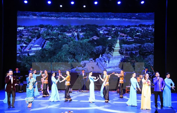 [Fotos] Semana Cultural de Vietnam en Laos hinh anh 5