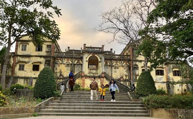 Exploran la antigua mansion Hoang A Tuong en la meseta blanca de Bac Ha hinh anh 1