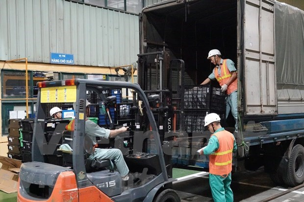 Vietnam busca soluciones para ayudar a empresas a superar dificultades causadas por COVID-19 hinh anh 1