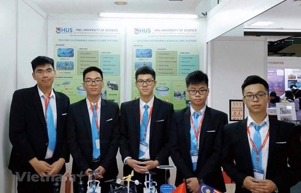 Estudiantes vietnamitas ganan medalla en concurso internacional de iniciativas e innovacion en Malasia hinh anh 1