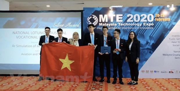 Estudiantes vietnamitas ganan medalla en concurso internacional de iniciativas e innovacion en Malasia hinh anh 3