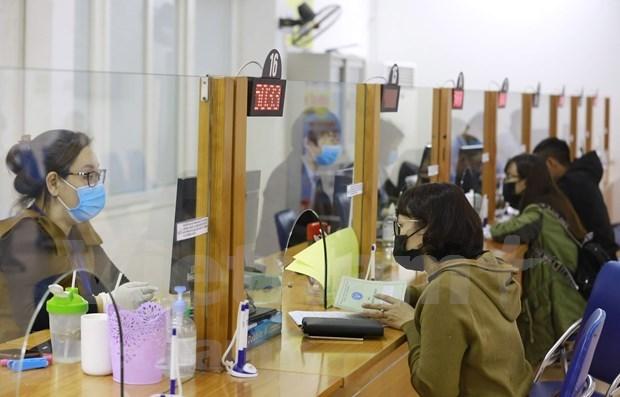 Vietnam disena politicas para recuperar mercado laboral afectado por COVID- 19 hinh anh 1