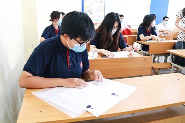 Examen de bachillerato en Vietnam cumple metas duales hinh anh 2