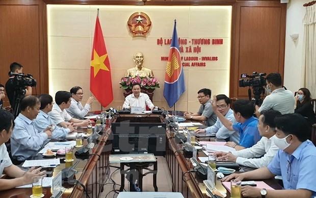 Proponen mantener el salario minimo regional para trabajadores vietnamitas en 2021 hinh anh 2