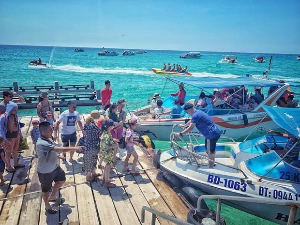 Vietnam estimula el turismo domestico para recuperar la industria sin humo hinh anh 2
