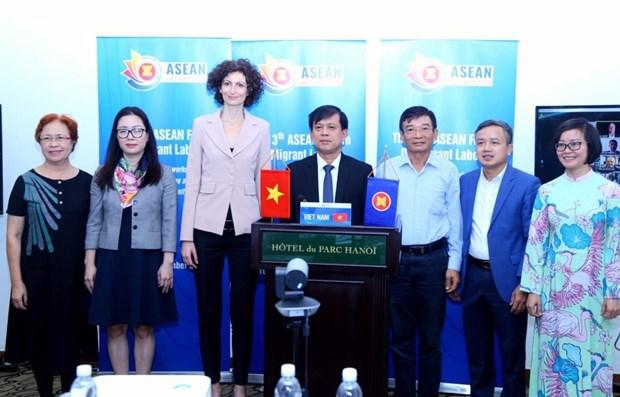 Vietnam acoge foro de ASEAN sobre trabajadores migrantes hinh anh 1