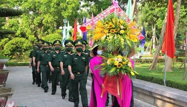 Rinden homenaje al Presidente Ho Chi Minh en su tierra natal hinh anh 1
