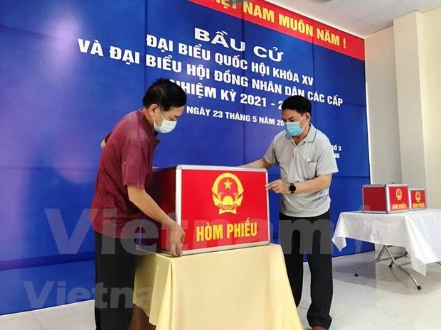 Elecciones parlamentarias 2021: Votantes vietnamitas eligen a personas talentosas para el pais hinh anh 2
