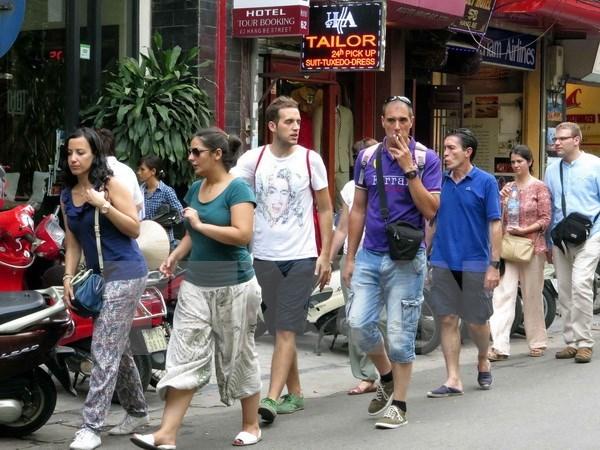 Vietnam atrae a turistas de Europa con exencion de visado hinh anh 1