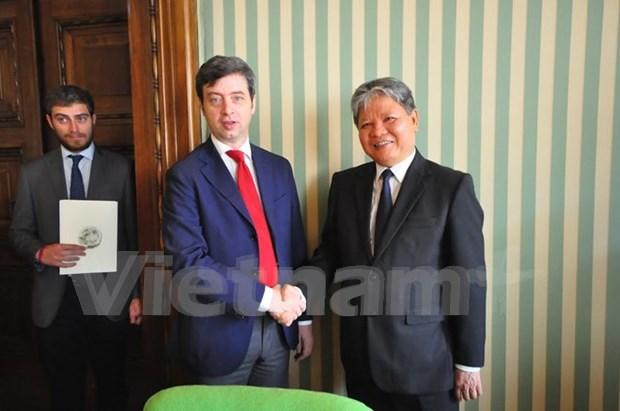 Vietnam e Italia impulsan cooperacion judicial hinh anh 1