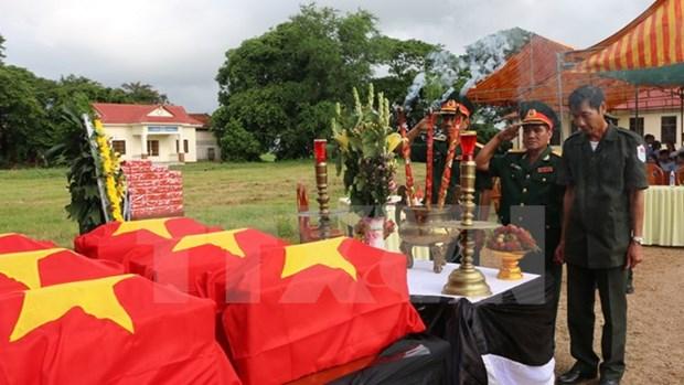 Repatrian restos de combatientes vietnamitas caidos en Cambodia hinh anh 1