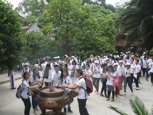 Inauguran Campamento de Verano Vietnam 2015 en Hanoi hinh anh 1