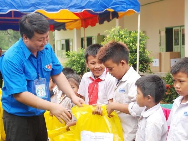 Jovenes de Hanoi unen manos por impulsar amistad Vietnam-Laos hinh anh 1
