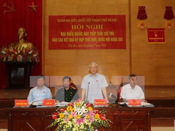 Lider partidista vietnamita mantiene contacto con electores de base hinh anh 1
