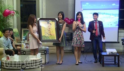 Vietnamitas en Singapur respaldan a estudiantes connacionales hinh anh 1