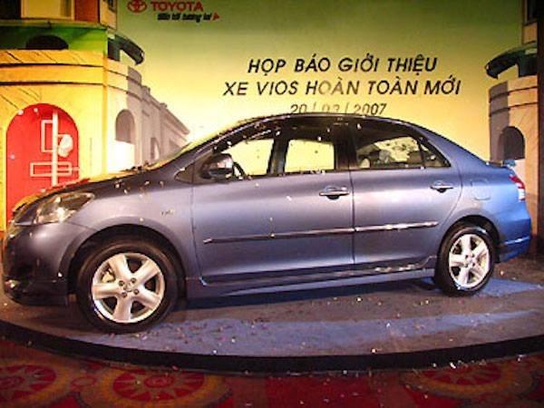 Toyota Vietnam revisa casi cuatro mil autos hinh anh 1