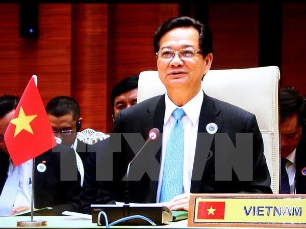 Inicia premier vietnamita visita a Tailandia para reunion bilateral hinh anh 1